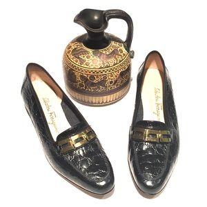 🐊SALVATORE FERRAGAMO black faux alligator shoe